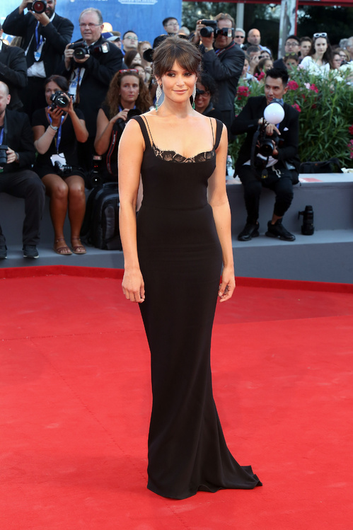 gemma-arterton-en-stella-mccartney